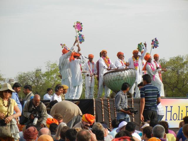 India 890